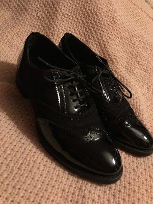 Budapester Lack Schuhe