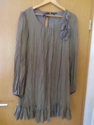 Bügelfreies leichtes Crinkel Kleidchen mit Volant in Größe 44