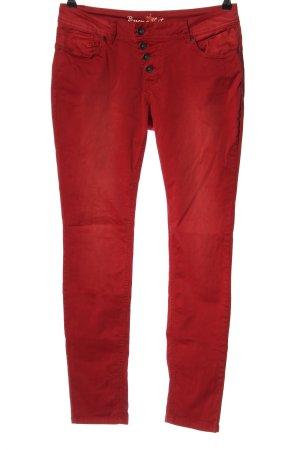 Buena Vista Pantalón de cinco bolsillos rojo look casual