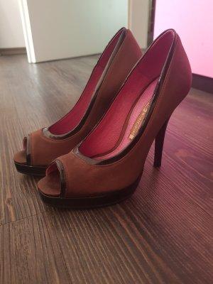 buffallo plateau high heels