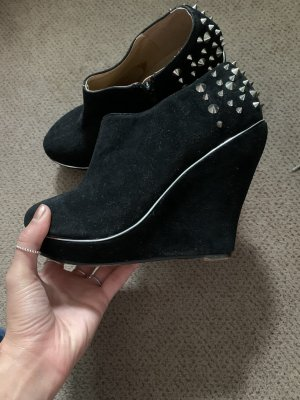 Buffalo girl Platform Booties black