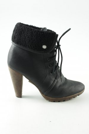 Buffalo girl Lace-up Booties black casual look