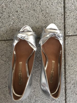 Buffalo London Peep Toe Pumps silver-colored