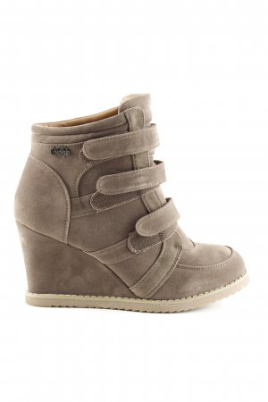 Buffalo Wedge Booties brown casual look