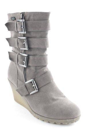 Buffalo Keil-Stiefeletten braun Street-Fashion-Look