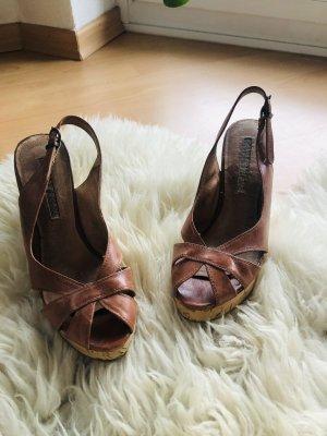 Buffalo Wedge Sandals brown