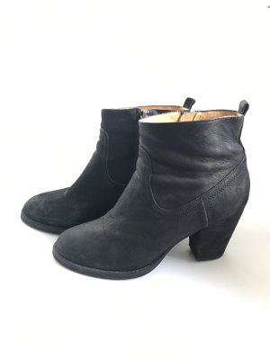 Buffalo Booties black