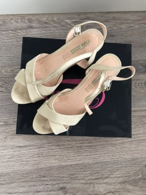Buffalo Wedge Sandals beige