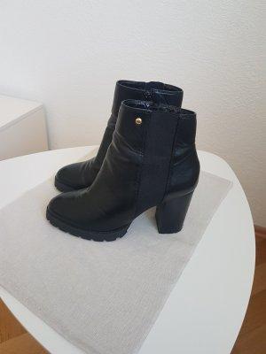 Buffalo Halfhoge laarzen zwart