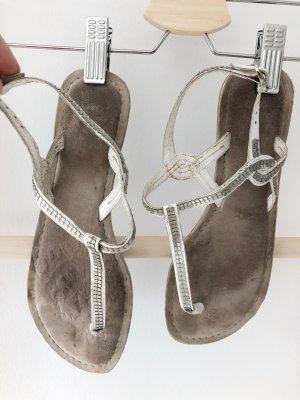 Bullboxer Flip Flop Sandaletten Nieten