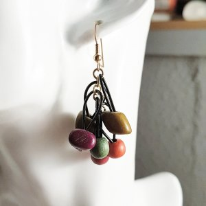 Bunte Sommer Ohrringe mit Holz Perlen, 5cm