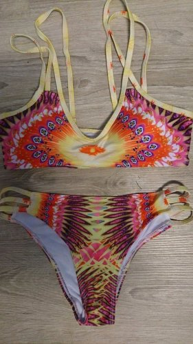 Bunter Bikini (B381) in Größe 34/36