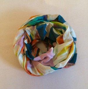 Bunter Schal mit Muster