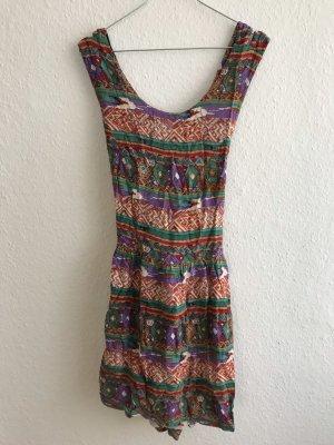 Buntes Sommerkleid aus Leinen