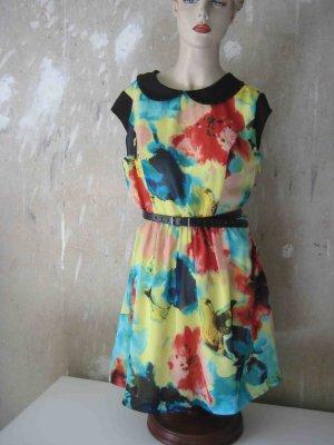 buntes sommerliches Kleid von Kensie - floraler Look