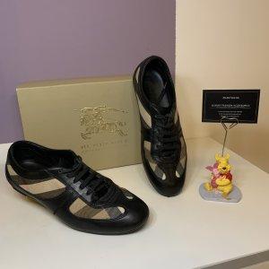 Burberry Zapatillas con tacón negro