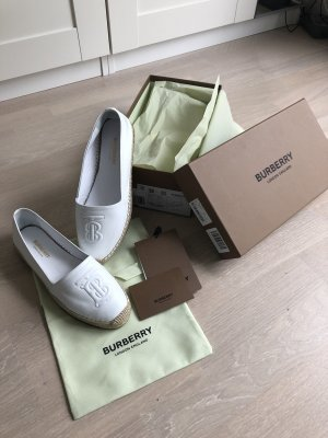 Burberry Moccasins white