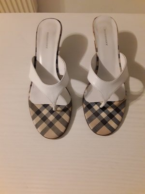 Burberry Flip-Flop Sandals white