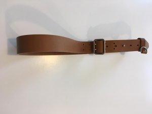 Burberry Cinturón de cuero color bronce Cuero