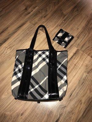 Burberry Handtasche und Portmonnaie