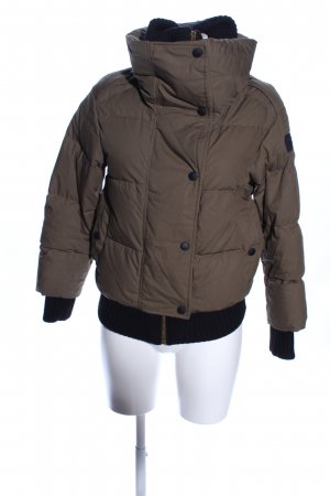 Burberry Short Jacket brown quilting pattern casual look