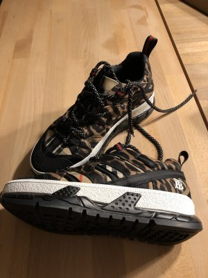 Burberry Low Top Sneakers neuwertig 38,5