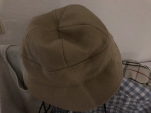 Burberry Visor Cap beige