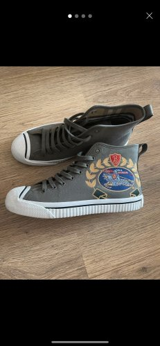 Burberry High Top Sneaker khaki