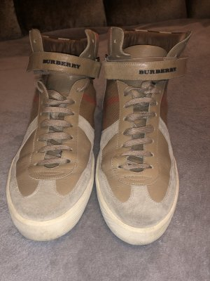 Burberry Lace-Up Sneaker camel
