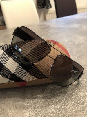 Burberry Sonnenbrille neu! Schwarz. KP 240€