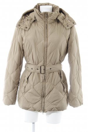 Burberry Quilted Coat beige quilting pattern classic style