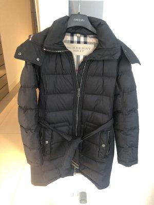 Burberry Brit Abrigo acolchado negro