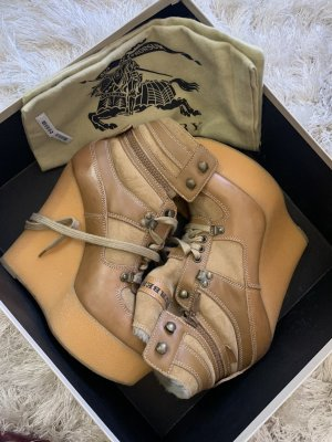 Burberry Tayport Shearling Wedges 40