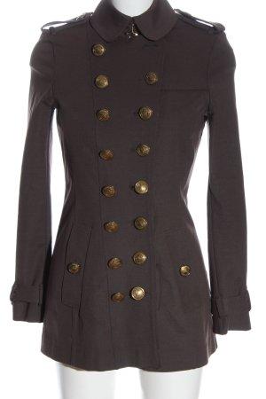 Burberry Between-Seasons-Coat brown flecked casual look