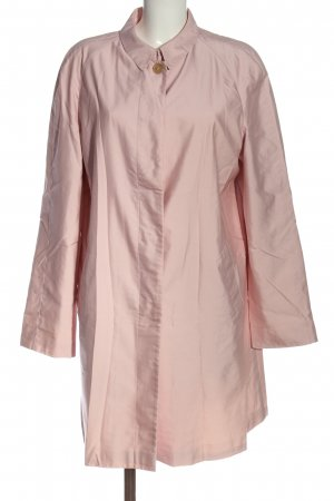 Burberry Between-Seasons-Coat pink casual look