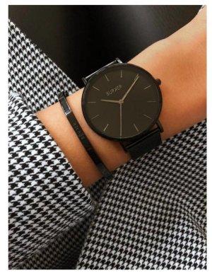 Orologio con cinturino di metallo nero