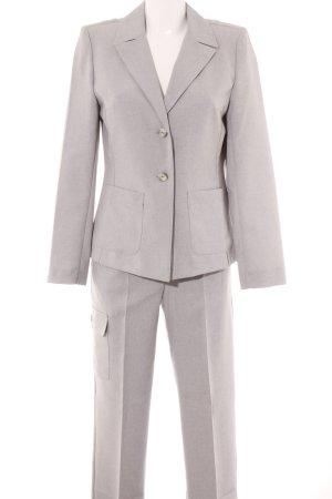 Costume business gris clair moucheté style d'affaires