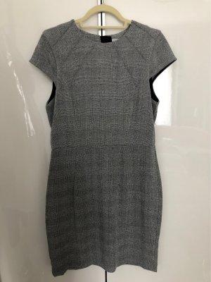 H&M Pencil Dress black-white