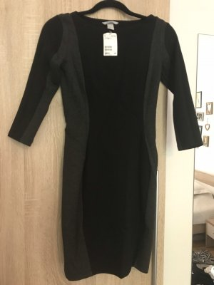 H&M Vestido ceñido de tubo negro-gris oscuro
