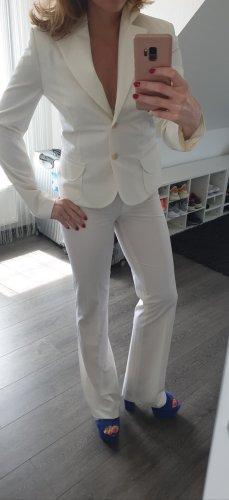Business Kostüm weiß