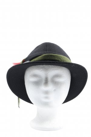 bwf Fabric Hat black-red casual look
