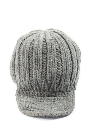 by Malene Birger Bonnet en crochet gris clair torsades style décontracté