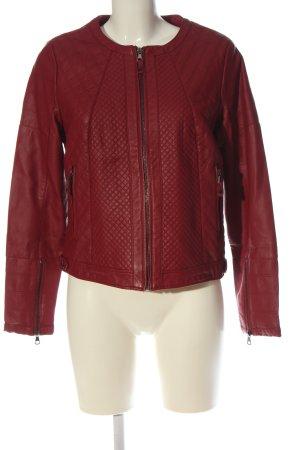 C&A OUTERWEAR Veste en cuir synthétique rouge motif de courtepointe élégant