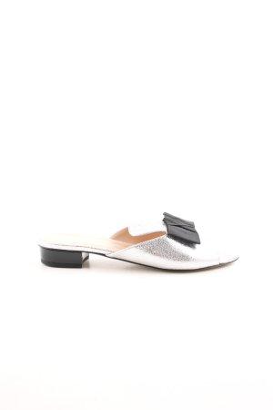 Caiman Zuecos color plata-negro elegante