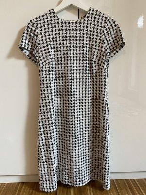 Calvin Klein Sukienka etui czarny-biały