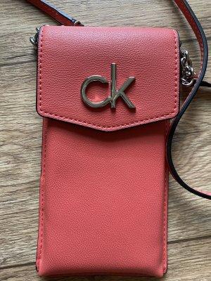 Calvin Klein Hoesje voor mobiele telefoons lichtrood
