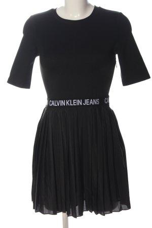Calvin Klein Jeans Sukienka z krótkim rękawem czarny Wydrukowane logo