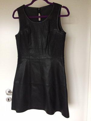 Calvin Klein Jeans Vestido de cuero negro Cuero