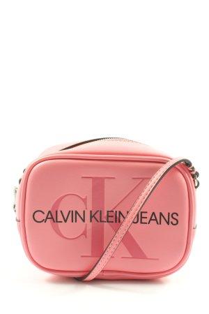 Calvin Klein Jeans Minibolso rosa letras impresas look casual