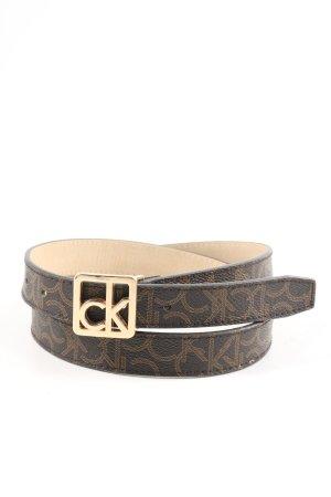 Calvin Klein Cinturón de cuero de imitación marrón letras impresas